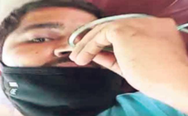 Head Constable Hand Behind Constable Ganesh Selfie Video - Sakshi