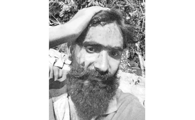 Movie Art Director Attacked In Banjara Hills At Hyderabad - Sakshi
