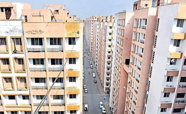 Maharashtra Govt To Give 100 MHADA Flats To Mumbai Cancer Hospital - Sakshi