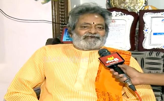 Bathini Harinath Goud Says No Fish Prasadam For This Year Due To Coronavirus - Sakshi