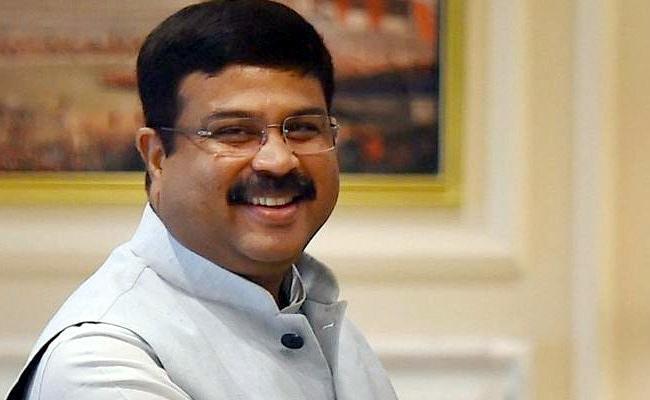 Union Minister Dharmendra Pradhan Praised AP CM YS Jagan - Sakshi