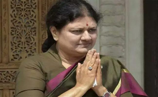 AIADMK Claims That VK Sasikala Is Trying To Break The Party - Sakshi