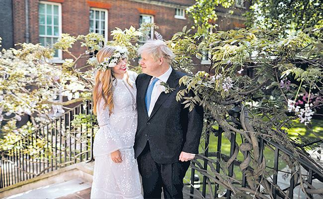 Boris Johnson Marries Fiancee Carrie Symonds Secret Ceremony - Sakshi