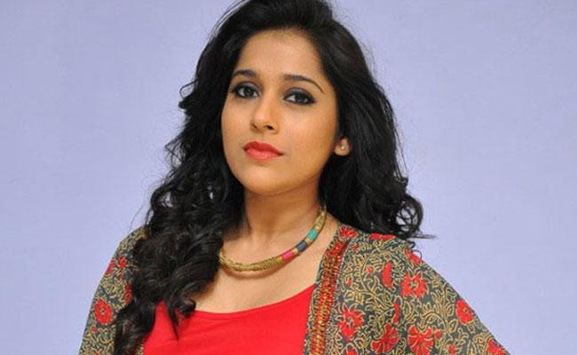 Anchor Rashmi Supports Dancer Pavithra, Lost Her Father Due To COVID 19 - Sakshi