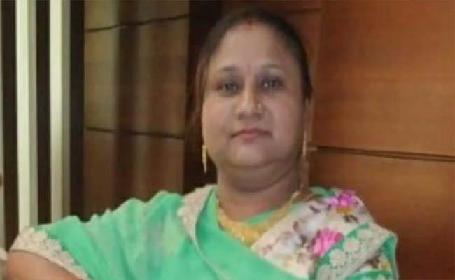 Union Minister Thawarchand Gehlots Daughter Dies Of Covid-19 - Sakshi