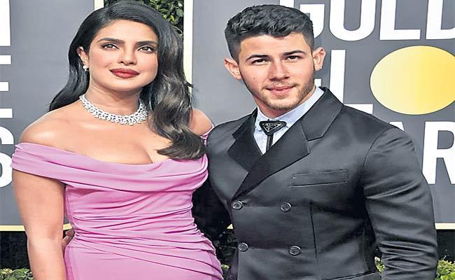 Priyanka Chopra Urging Fans To Donate Towards Covid-19 Relief Fundraise - Sakshi