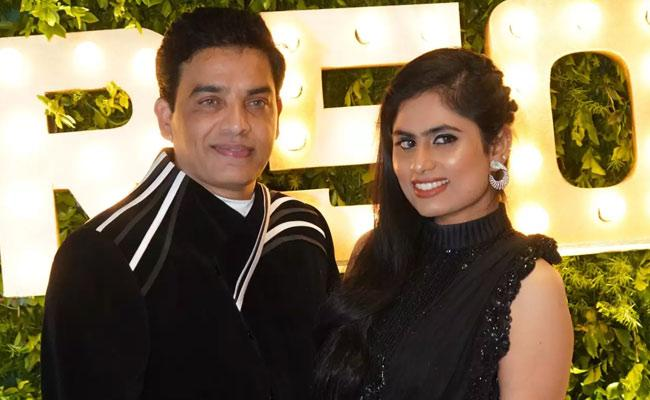 Tollywood Producer Dil raju Jets Off To USA With His Wife - Sakshi