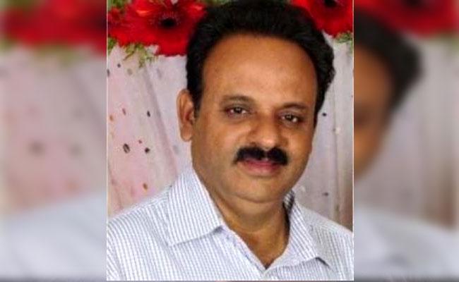 Senior Journalist Ballamudi Ramakrishna Dies Due To Covid - Sakshi