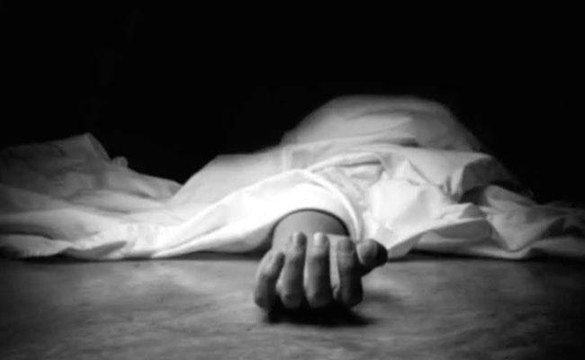 Husband Kills Wife In Hyderabad - Sakshi