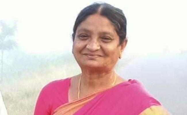 Lady Corporator Bola Padmavathi Deceased Of Corona Ysr Kadapa  - Sakshi
