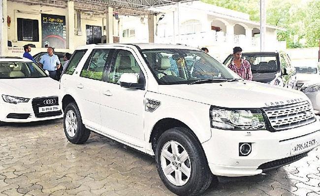 Full demand for second hand luxury cars - Sakshi