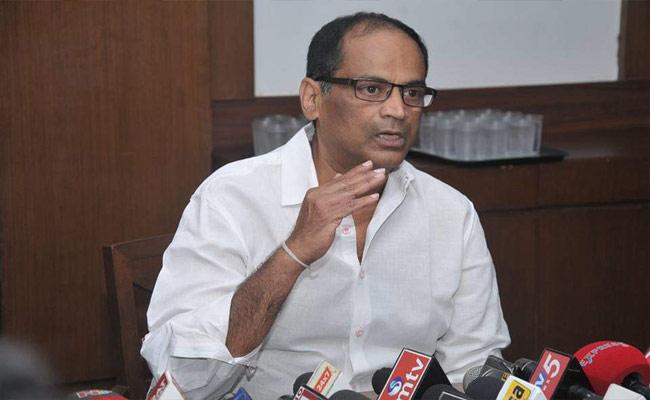 ketireddy jagadeeswar Reddy Says Give Padma Vibhushan To Dasari Narayan Rao - Sakshi