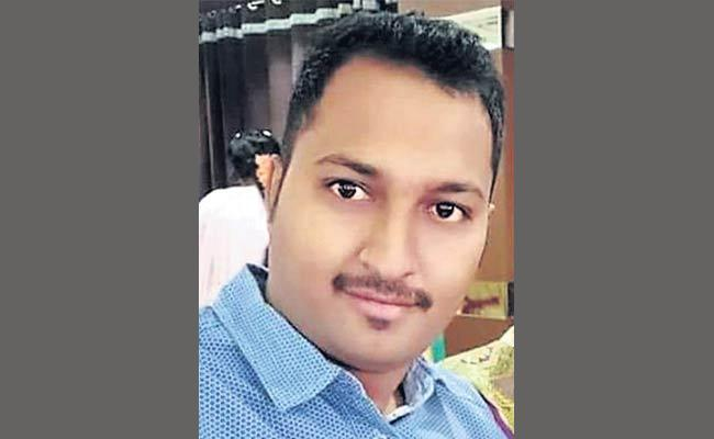 Constable End His Life At Malakpet In Hyderabad - Sakshi