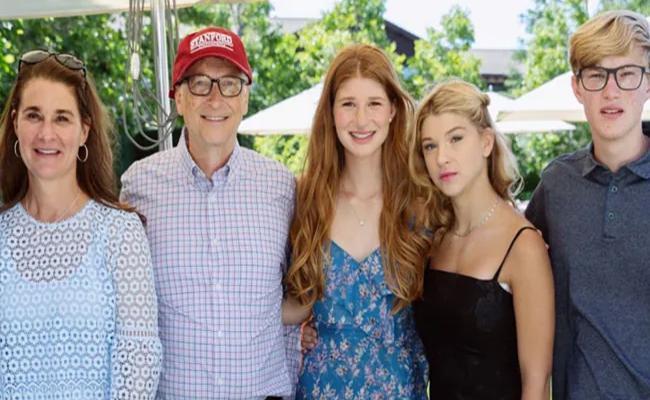 Jennifer Gates On Parents Bill Melinda Divorce Its Challenging Stretch - Sakshi