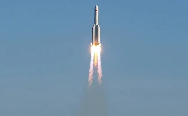 US Tracking China Out Of Control Rocket Set To Re Enter Earth - Sakshi