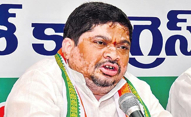 Do Protest Infront Of Modi House, Ponnam Prabhakar To BJP Leaders - Sakshi