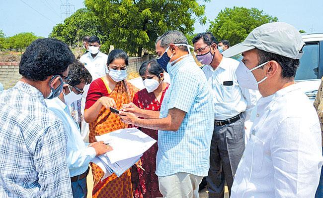 Devarayanjal: Investigation Speed Up In Eatala Rajender Land Grabbing Case - Sakshi