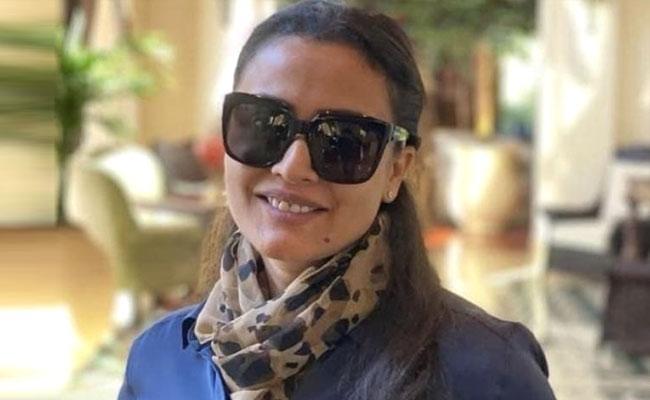 Namrata Shirodkar Applauds Drive in Vaccination Centres In Bhopal And Mumbai - Sakshi