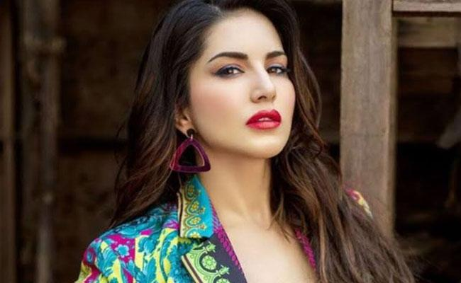 Sunny Leone To Provide Meals To 10,000 Migrant Workers In Delhi - Sakshi