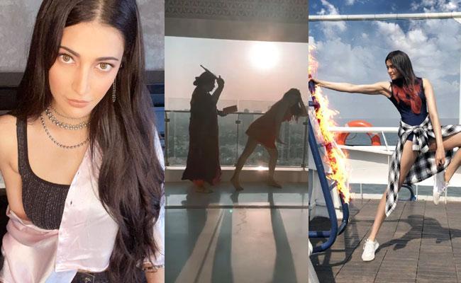 Social Hulchul: Hansika, Ameesha Patel Share Videos - Sakshi