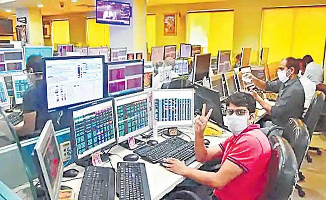 RBI liquidity measures lift Sensex by 424 pts Nifty ends at 14618 - Sakshi