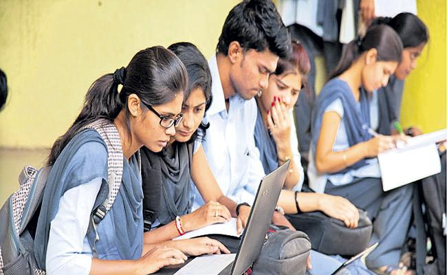 Board of Higher Education decided to implement English medium in all degree courses - Sakshi