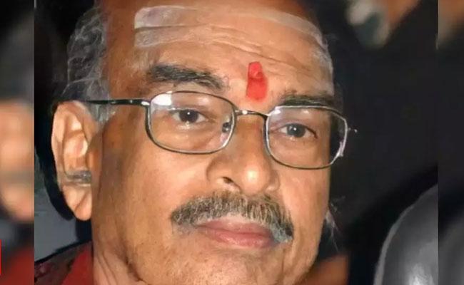 Kannada Filmmaker Renuka Sharma Passes Away Due To Covid-19 - Sakshi