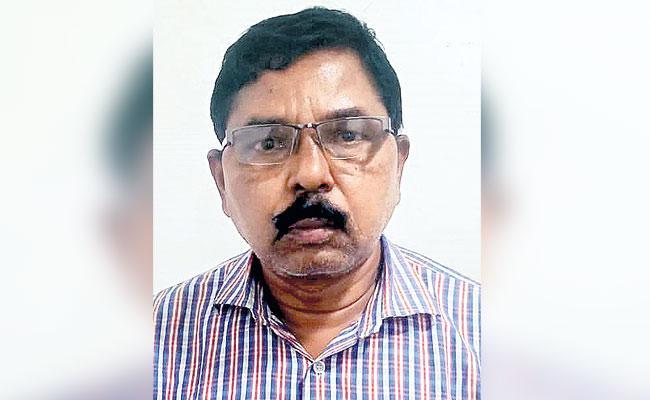 hyderabad: Government Employee Cheats Bank Car Loan - Sakshi