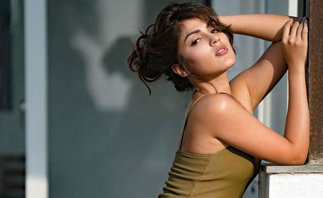 Rhea Chakraborty Looks For New Opportunities In Tollywood - Sakshi