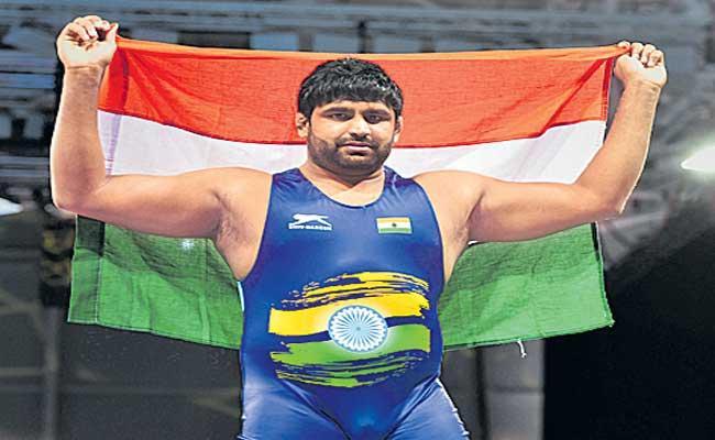 Indian wrestler Sumit Malik seals Tokyo spot at World Olympic qualifiers - Sakshi