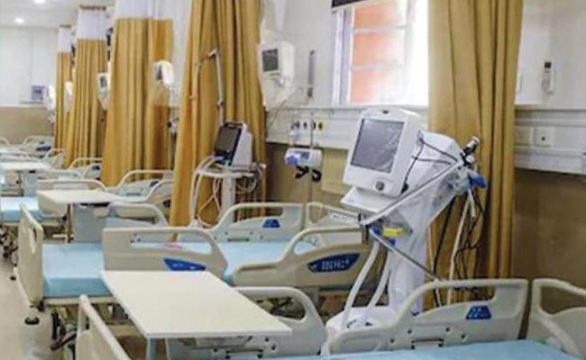 Trio Arrested Over Demands Bribe For Provide Hospital Bed Karnataka - Sakshi
