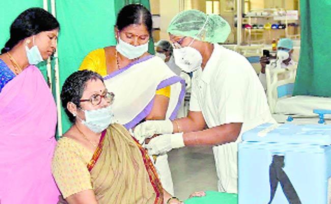 Devinder Sharma Article On Vaccination - Sakshi