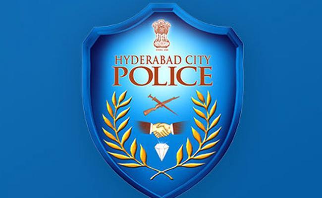 telanagana govt corona safety kits not recieved for police department  - Sakshi