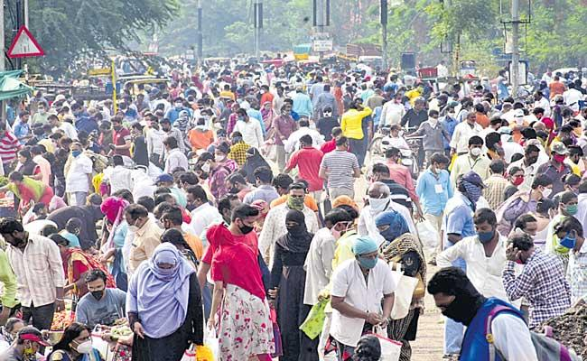 India adds record high 4,14,188 COVID-19 cases, 3,915 Deaths - Sakshi