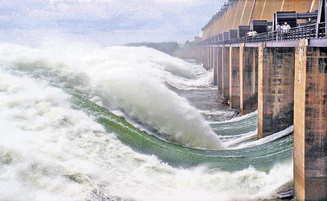 Karnataka prepares to divert an additional 15 to 20 TMC of krishna water from Narayanapur Reservoir - Sakshi