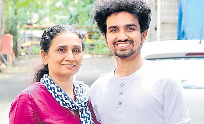 Mother And son duo turn delivery kitchen into feed the needy service - Sakshi