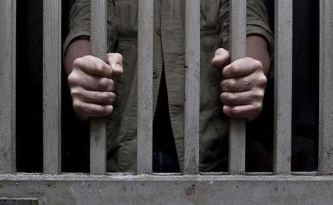 TN Man Sentenced To Death Over Molested Daughter Eliminate Wife - Sakshi