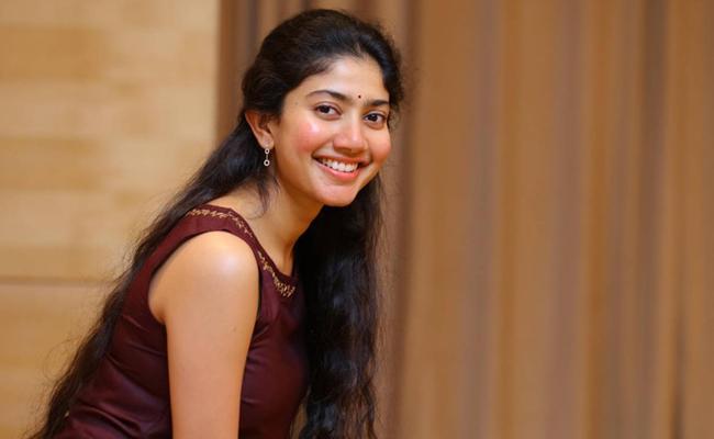 Sai Pallavi Birthday Special: Family, Movies, Age - Sakshi