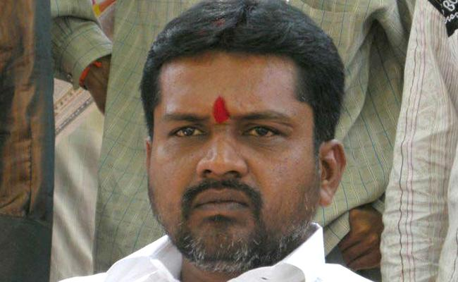 Putta Madhu: police continuing investigation On Two Crore Draw From Bank - Sakshi