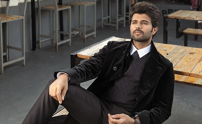 Vijay Deverakonda, Ananya Panday Starrer Liger Movie Teaser Release Postponed - Sakshi
