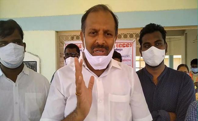 Srikanth Reddy Visited Covid Care Centre In Rayachoti - Sakshi