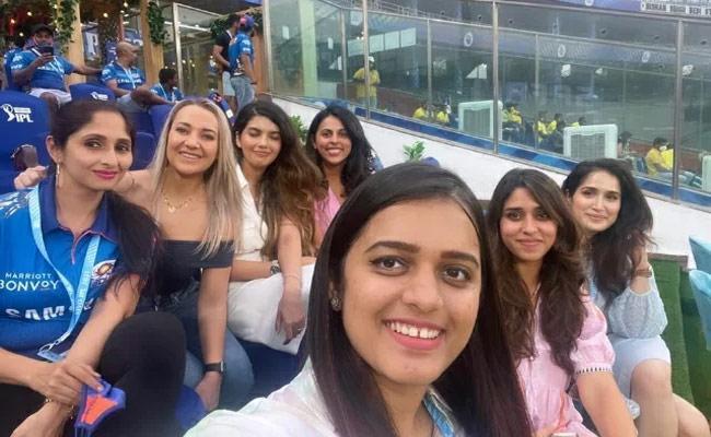 IPL 2021 Quinton De Kock Wife Sasha Emotional Farewell To Mumbai Indians - Sakshi