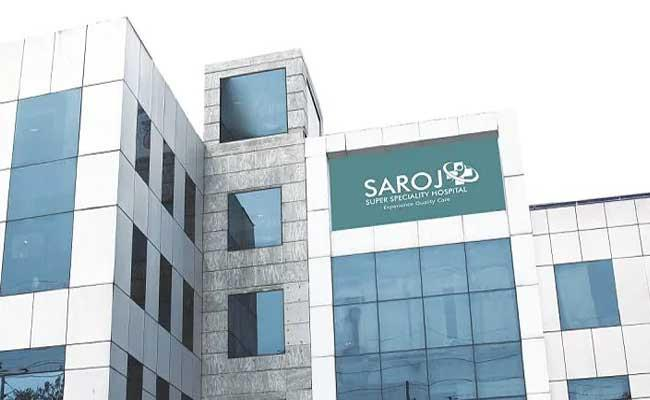 Doctor Died And 80 Staff Members Test Covid Positive In A Month - Sakshi