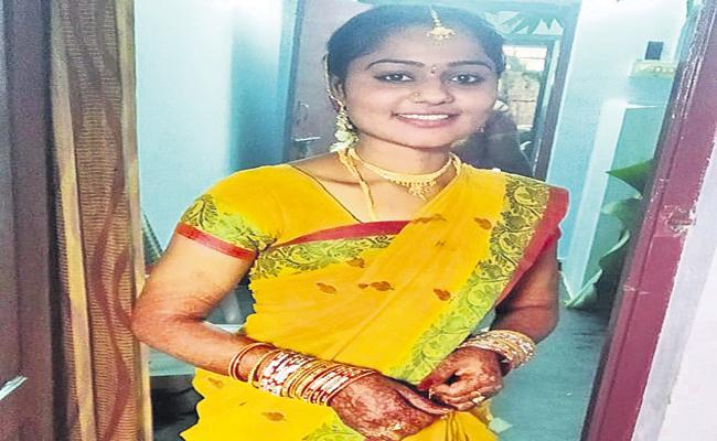 A sadistic villain in Badwell kills his own wife - Sakshi