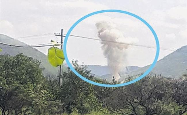 10 people killed at detonators explode in Mamillapalle, YSR district - Sakshi