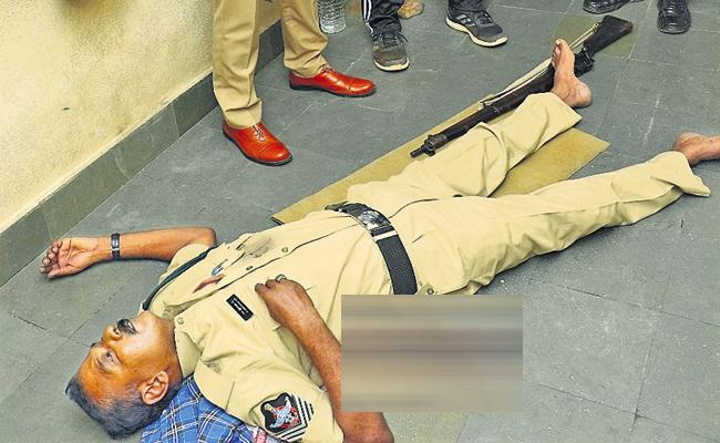 Head Constable killed with Gun misfire - Sakshi