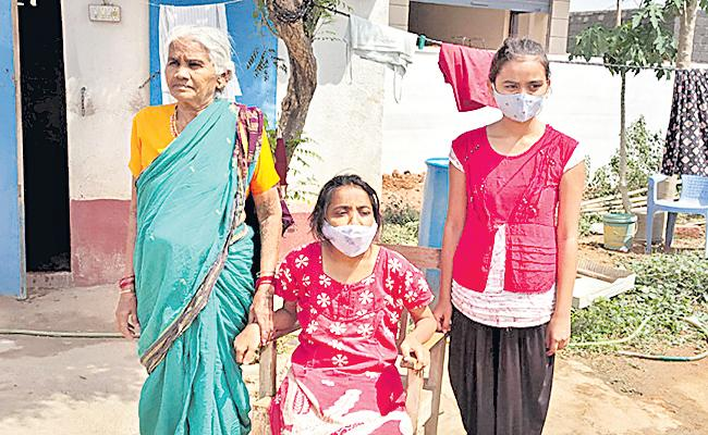 Parents Died Due To The Coronavirus - Sakshi