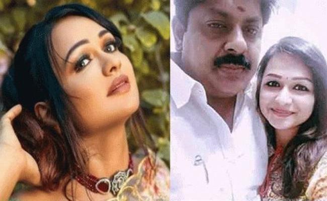 Former TN Minister ooked For Molestation After Actor Lodges Complaint - Sakshi