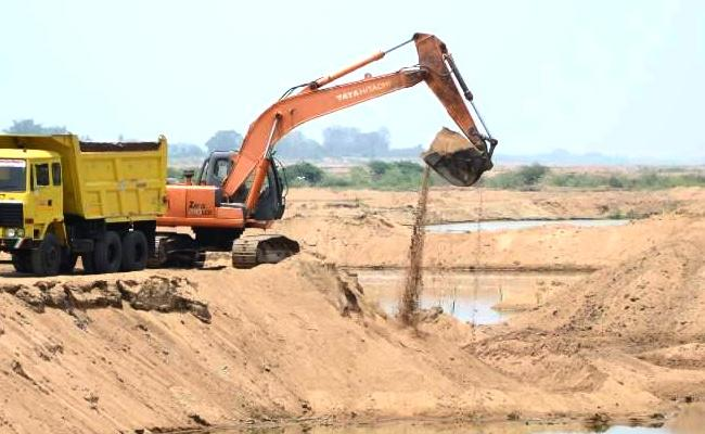 Sand Reaches Lease Fraud In Vijayawada Police Filed FIR - Sakshi