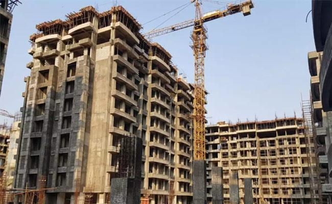 CREDAI Urges Central Govt To Announce Relief Package For Realty Sector - Sakshi